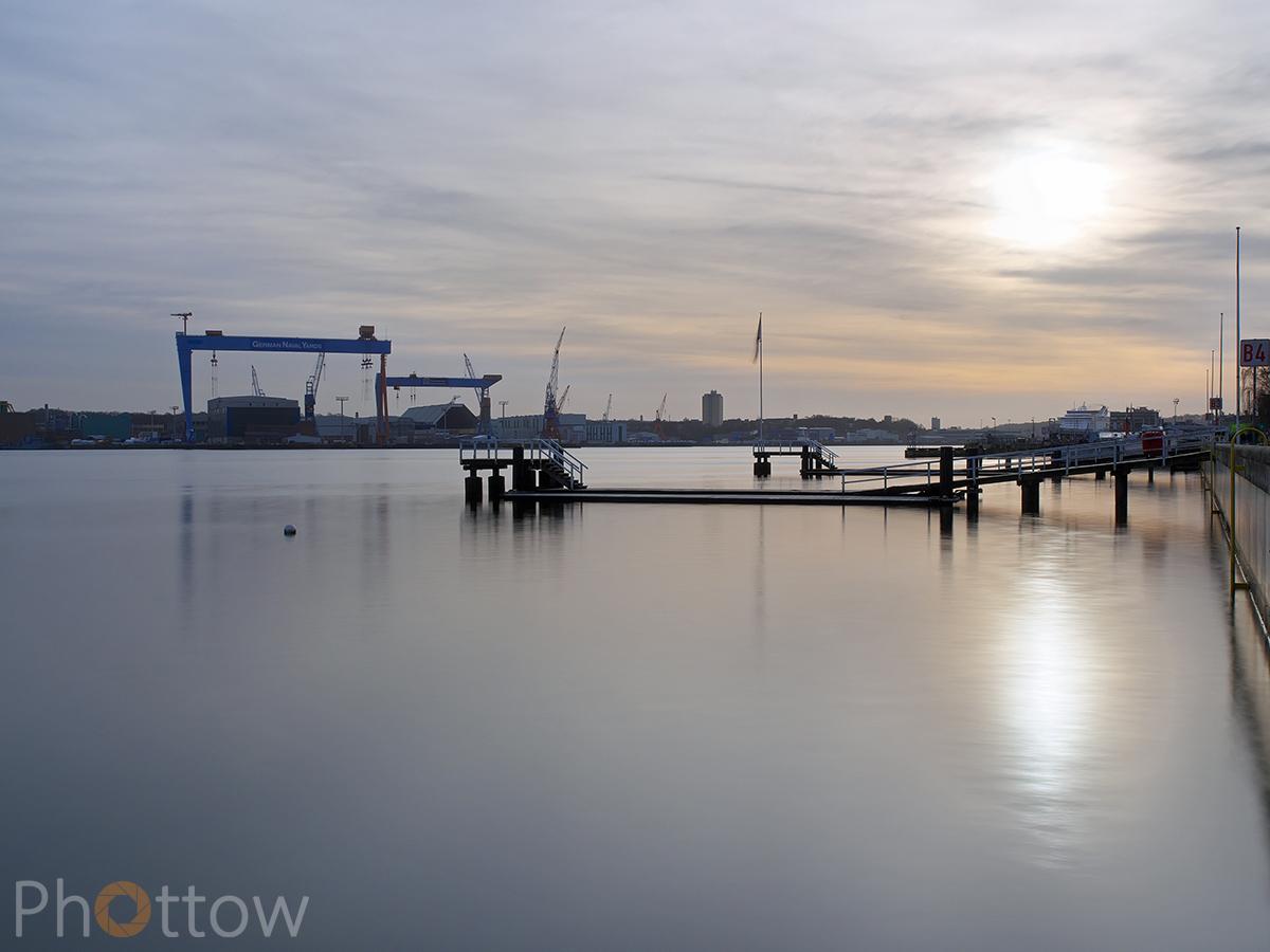 Kieler Hafen - Olympus OM-D-EM-1 - 40 mm - f18 - ISO200 - 10 s (ND3)