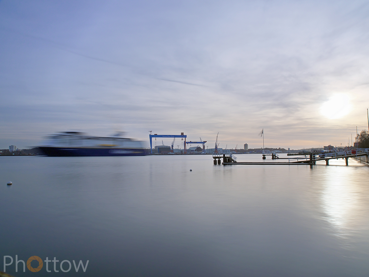 Kieler Hafen - Olympus OM-D-EM-1 - 24 mm - f13- ISO200 - 8 s (ND3)